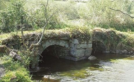 kerguelen-plounevez-moedec-pont-romain.jpg