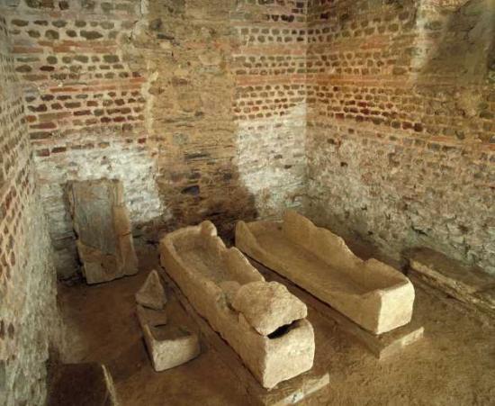sarcophages-gallo-romains.jpg